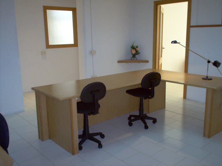 Serviced offices italy uffici arredati napoli for Ufficio arredato