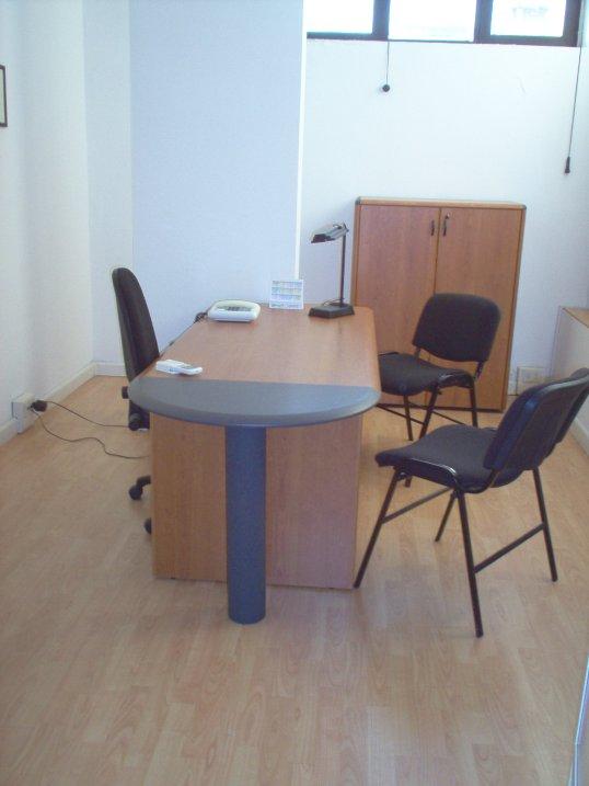 Ufficio arredato napoli serviced offices italy uffici for Ufficio arredato
