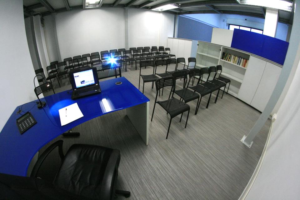Noleggio sala formazione riunioni Napoli