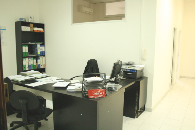 Affitto ufficio arredato 90 mq euro 599 ufficiarredati for Uffici arredati