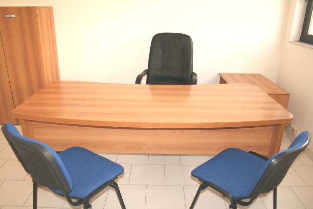 Affitto ufficio napoli arredato temporaneo appartamento for Appartamento ufficio roma