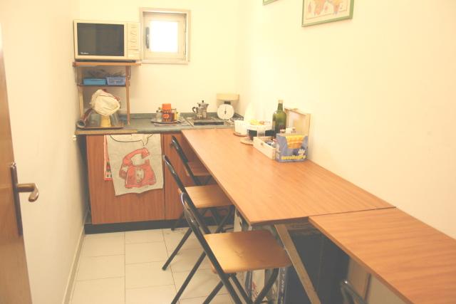 Napoli affitto ufficio affitto studio locale uffici for Disegni di uffici di garage
