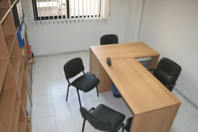Affitto ufficio napoli ufficio arredato napoli affitto for Uffici arredati napoli