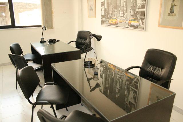 Affitto uffici arredati napoli da euro 249 al mese for Monolocali arredati napoli