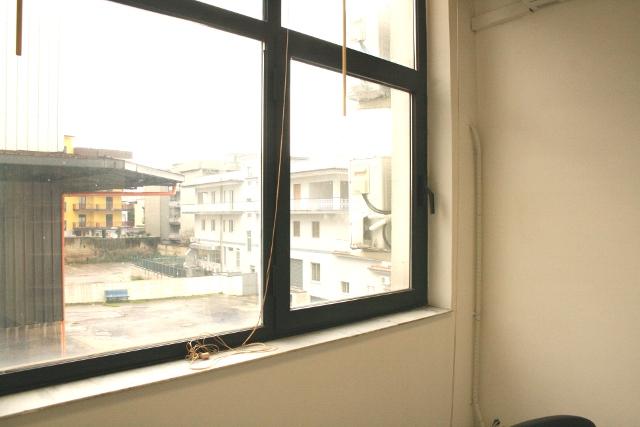 Affitto ufficio napoli ufficio arredato napoli affitto for Disegni di uffici di garage