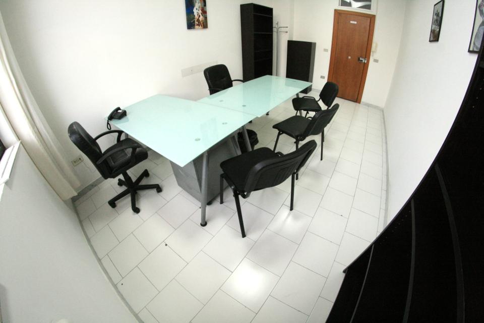 Uffici arredati roma milano napoli ufficio arredato for Uffici arredati napoli