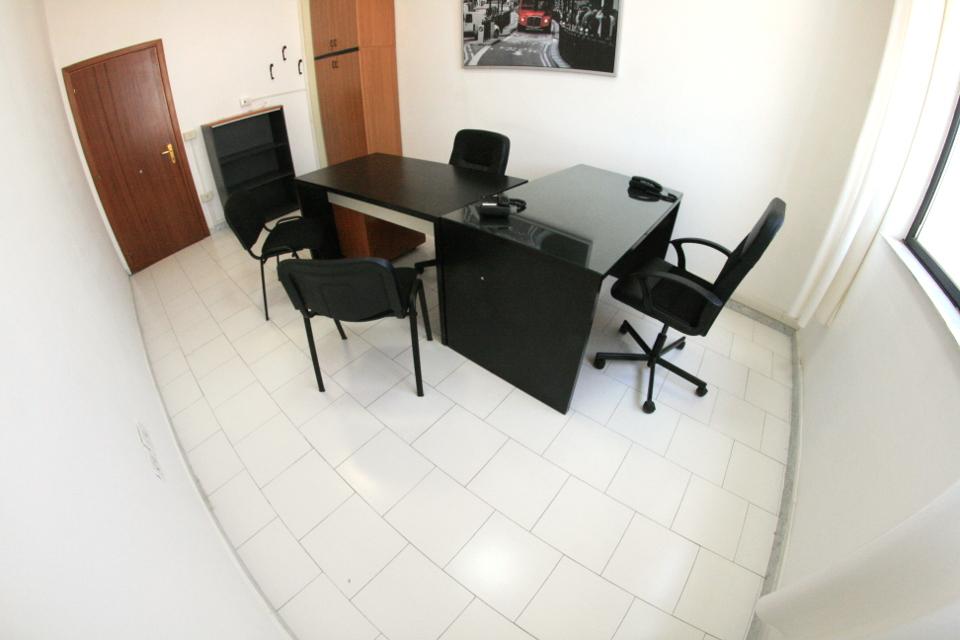 Uffici arredati roma milano napoli ufficio arredato for Uffici arredati
