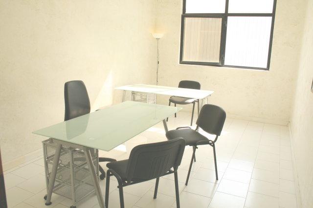 Affitto ufficio arredato bivani napoli affitto ufficio for Ufficio arredato