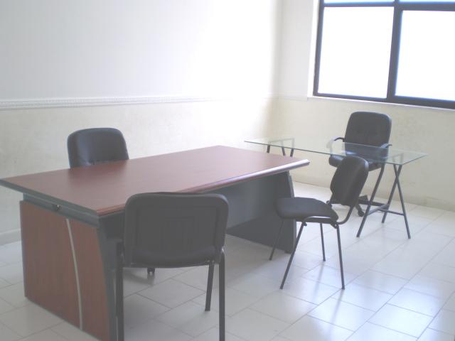 Affitto ufficio napoli ufficio arredato napoli con 6 8 for Cerco ufficio in affitto