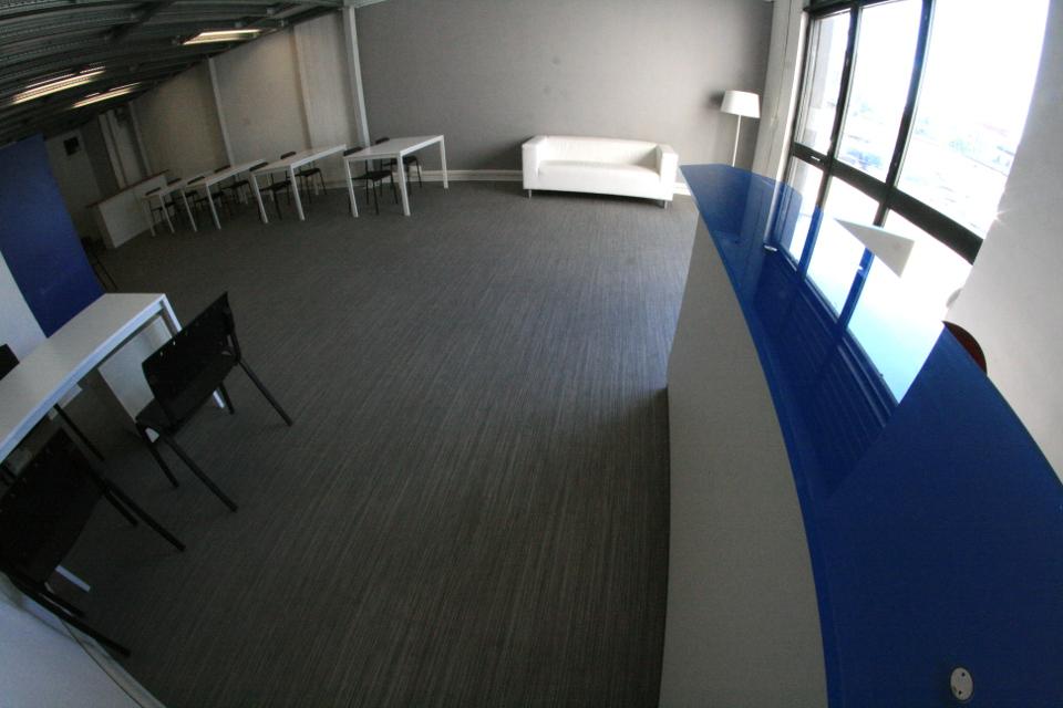 Postazione coworking mensile centro il faro incubatore for Domiciliazione sede legale