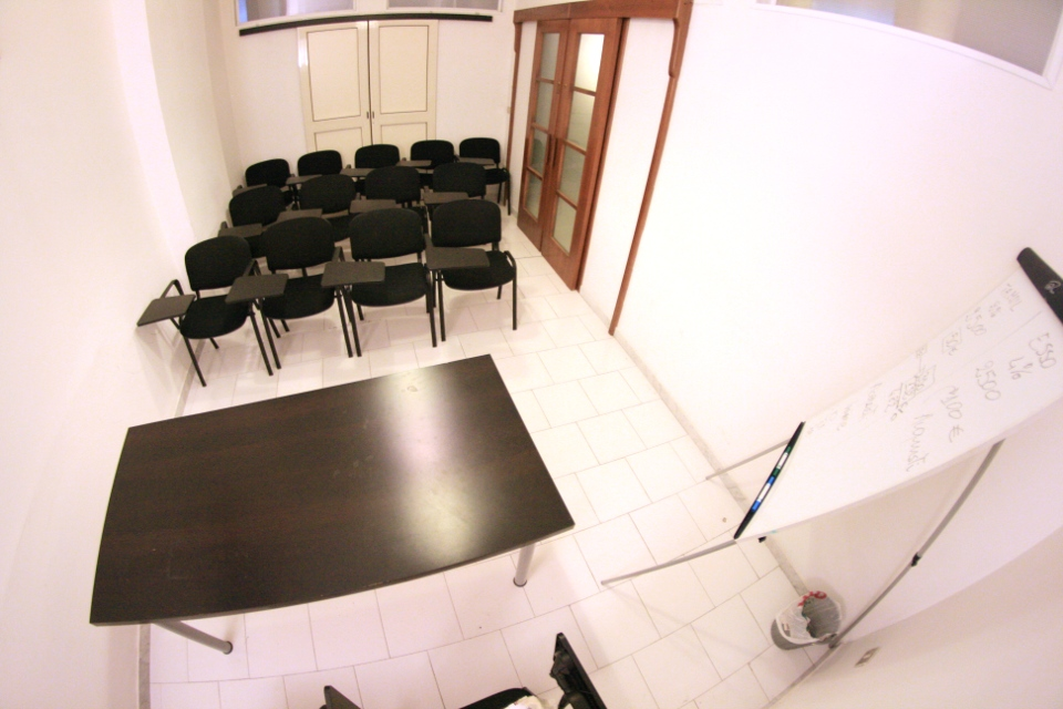 Sala riunioni eventi meeting 12 posti