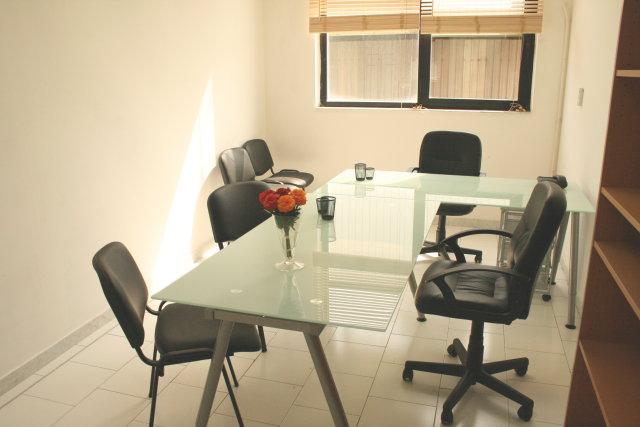 Affitto ufficio napoli ufficio arredato napoli affitto for Monolocali arredati in affitto