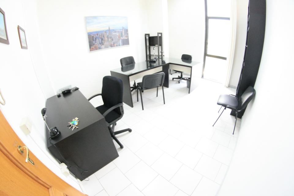 Scrivania Ufficio Low Cost : Ufficio low cost incluso posti auto affitto ufficio napoli