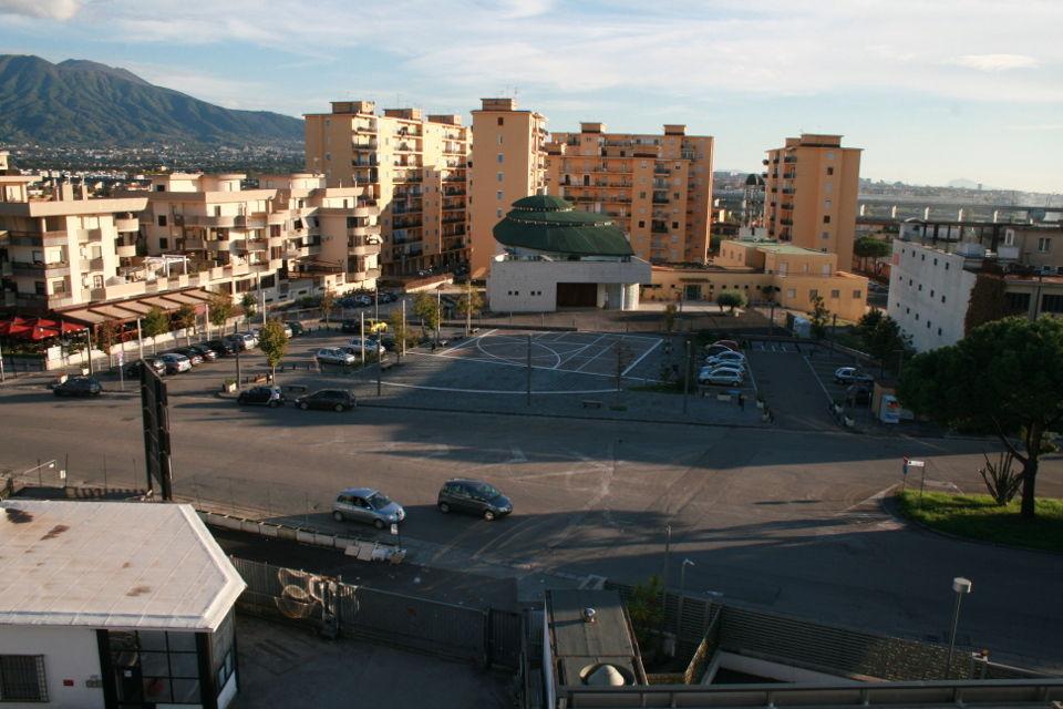 Napoli affitto ufficio arredato con parcheggio affitto for Affitto nerviano arredato